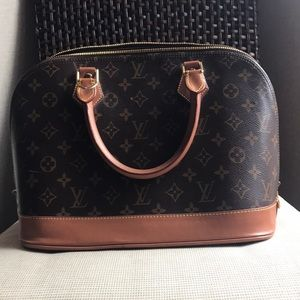 ‼️NEW LISTING‼️Louis Vuitton Monogram Alma Hobo